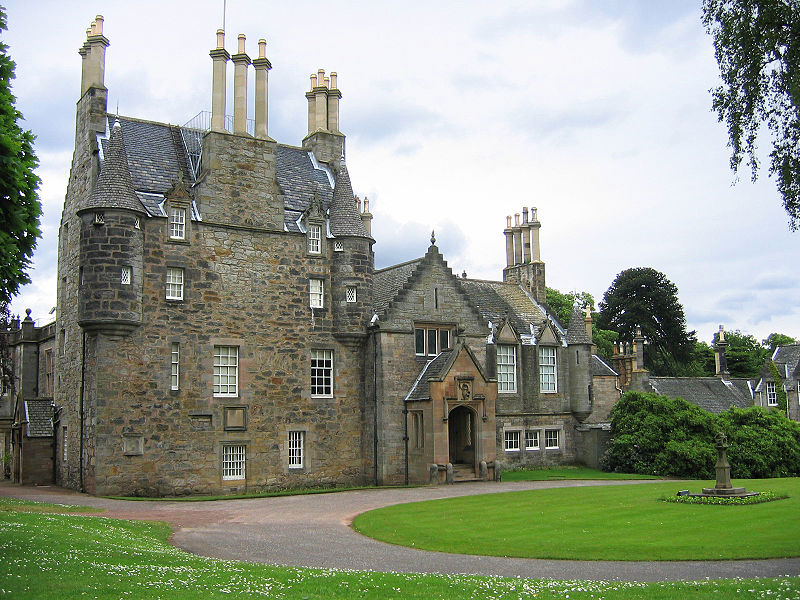 lauristoncastle.jpg